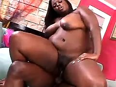 Ebony fat lady vixen takes care of dick
