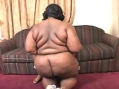 Chocolate chubby woman fucks without a break